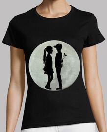 luna llena con niños enamorados