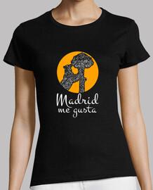 Madrid Me Gusta a+b, Camiseta corte regular pero adaptándose perfectamente a la figura femenina