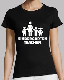 maestra d'asilo