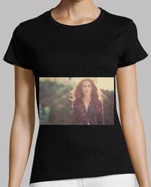 Malú Foto Promocional Mujer Camisa