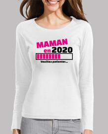 mamá en 2020 por favor espera