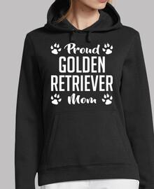 mamá orgullosa del golden retriever
