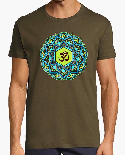 Camiseta mandala de belleza om