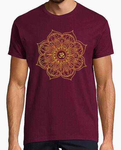 Camiseta mandala dorado ohmio