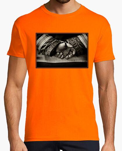 Camiseta Manos