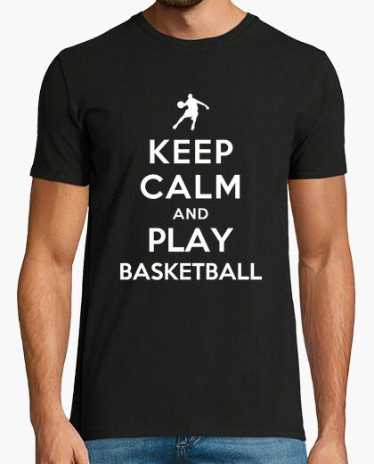 Camiseta mantén la calma y juega baloncesto