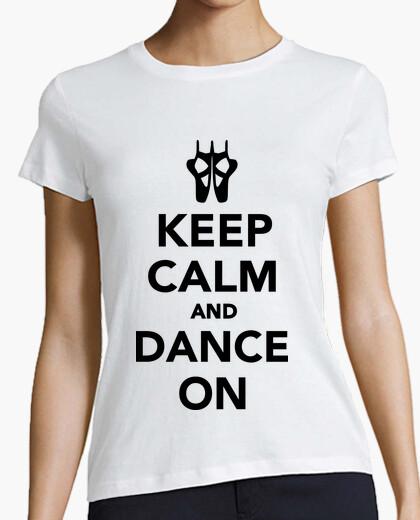 Camiseta mantener la calma y bailar en el ballet