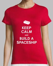 mantener la calma y construir una camisa de las muchachas de la nave espacial