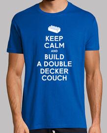 mantener la calma y construir una camisa para hombre del sofá