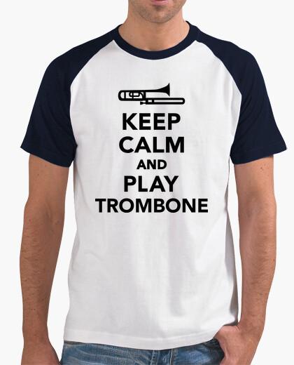 Camiseta mantener la calma y jugar trombón