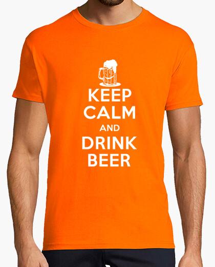 T-shirt mantenere la calma e bere birra