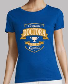 medico di sesso femminile