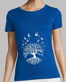 meditazione della donna di zen yoga della maglietta dell'albero della life