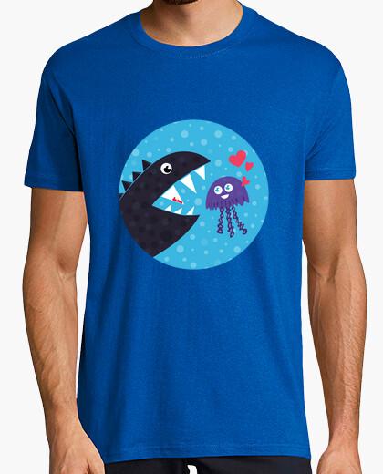 Camiseta medusa linda del kawaii en amor