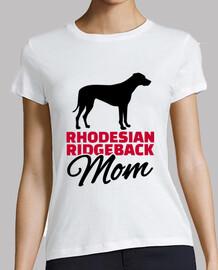 mère rhodésienne ridgeback