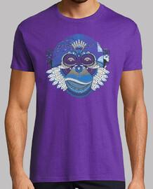 Mono con plumas