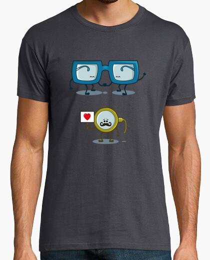 Tee-shirt monocle en quête d'amour