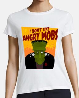 Monstruo de Frankenstein gracioso y multitudes furiosas