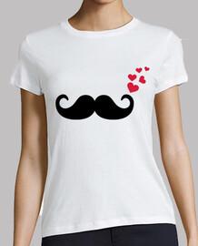 moustache coeurs rouges aiment