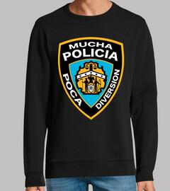 MUCHA POLICIA POCA DIVERSION