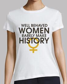 mujeres con buen comportamiento rara vez hacen historia
