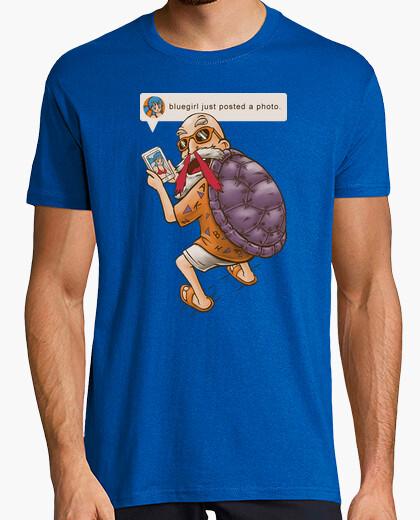 Mutenroshi discovers instagram! t-shirt