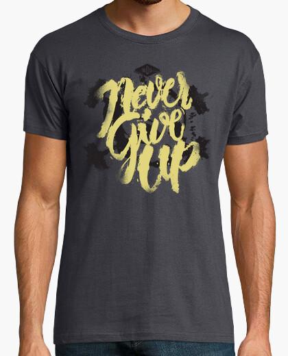 T-shirt never mollare