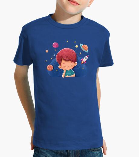 Ropa infantil Niño imaginando cosas del espacio