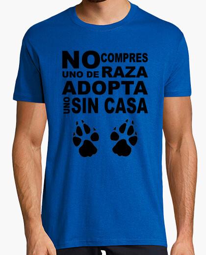 Camiseta No compres uno de raza, adopta uno sin c