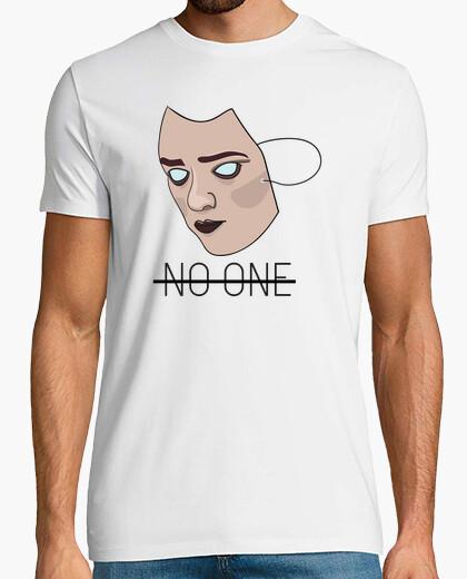 Camiseta No One