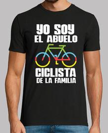 nonno ciclista della famiglia.