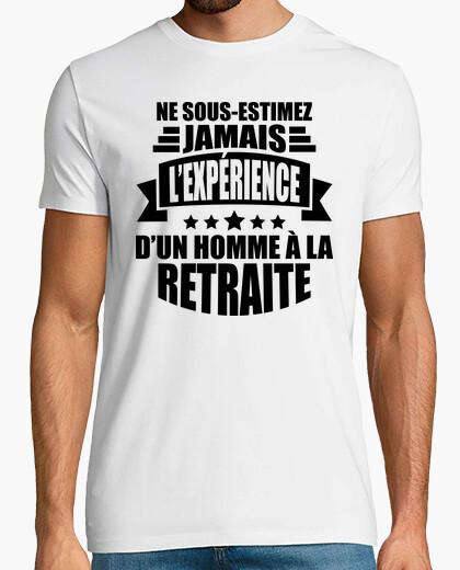 Camiseta nunca subestimes al hombre retirado