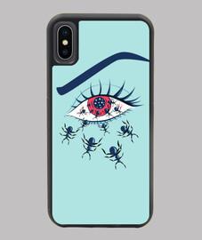 occhio rosso raccapricciante con formic