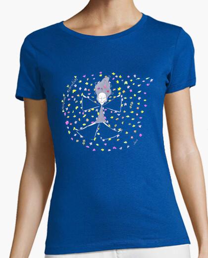 Camiseta Olenca haciendo el ángel en primavera