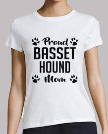 orgogliosa basset hound mamma