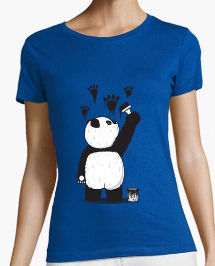 T-shirt pandalism