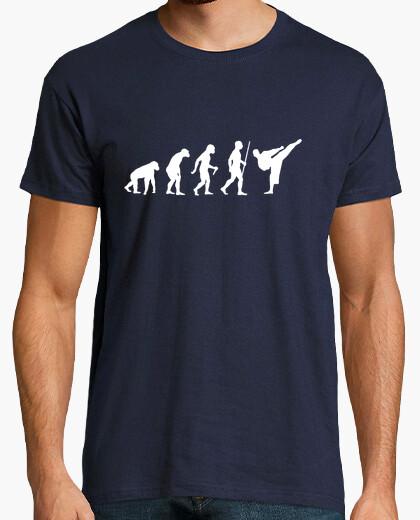 Camiseta paso de la evolución del karate