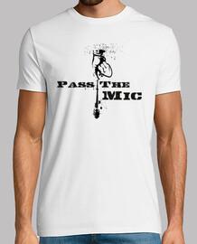 Pass The Mic (Pasa el Micro)