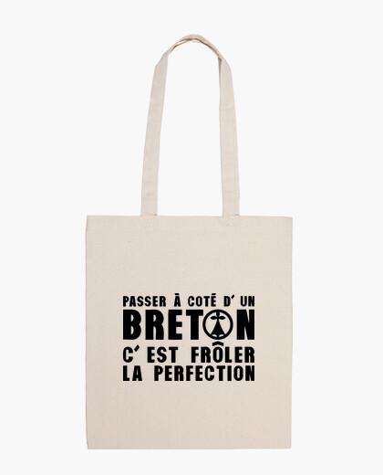 Sac passer à coté breton frôler prefection