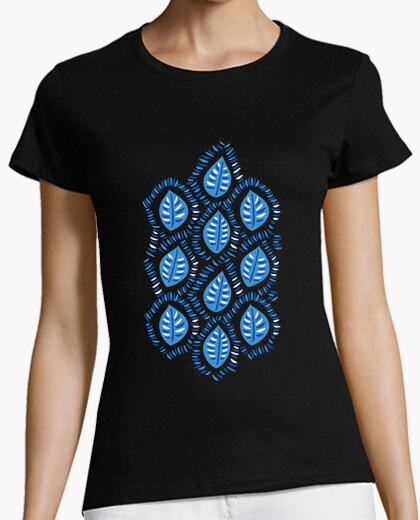Camiseta patrón bastante decorativo de hojas azules