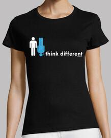 pense femme différente