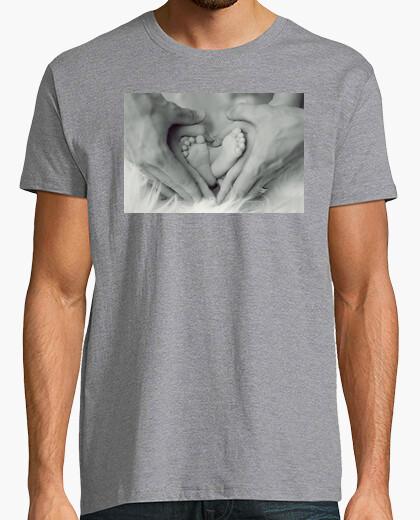 Camiseta Pies y manos en forma de corazón