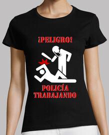Policía trabajando (Exclusiva en Punkisetas)