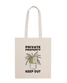 proprietà privata testo nero