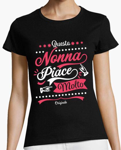 T-shirt Questa nonna piace molto