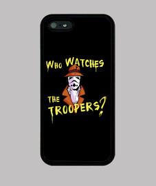 Qui surveille les Troopers ?