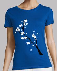 ramo di fiori di ciliegio