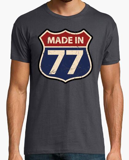 T-shirt realizzato in 77