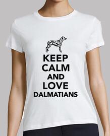 reste calme et aime les dalmatiens