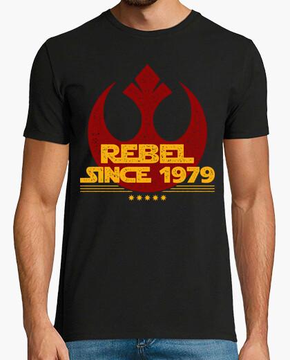 T-shirt ribelle senza ce 1979